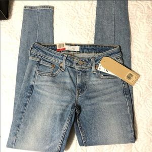 NWT Levi's Altered 711 Skinny Jeans mid rise